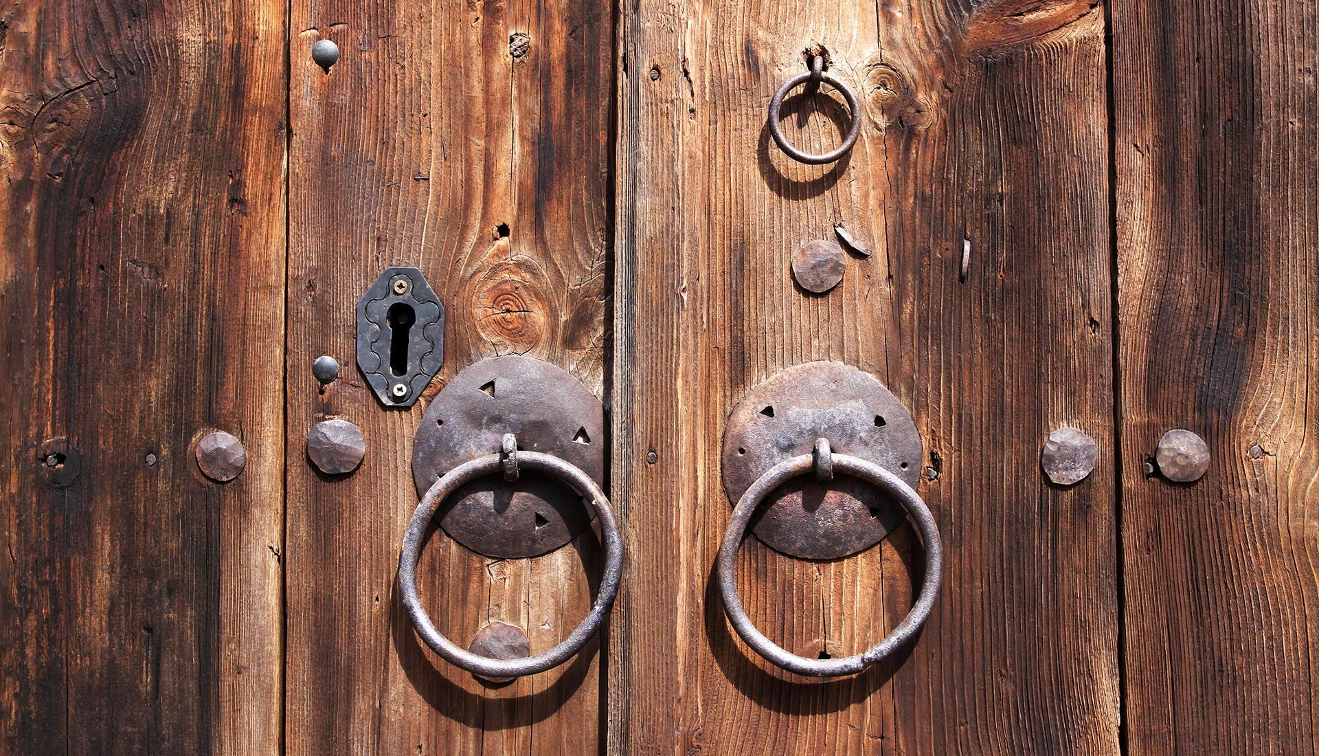 old-door-image